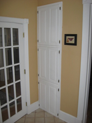 foyer builtin cabinets